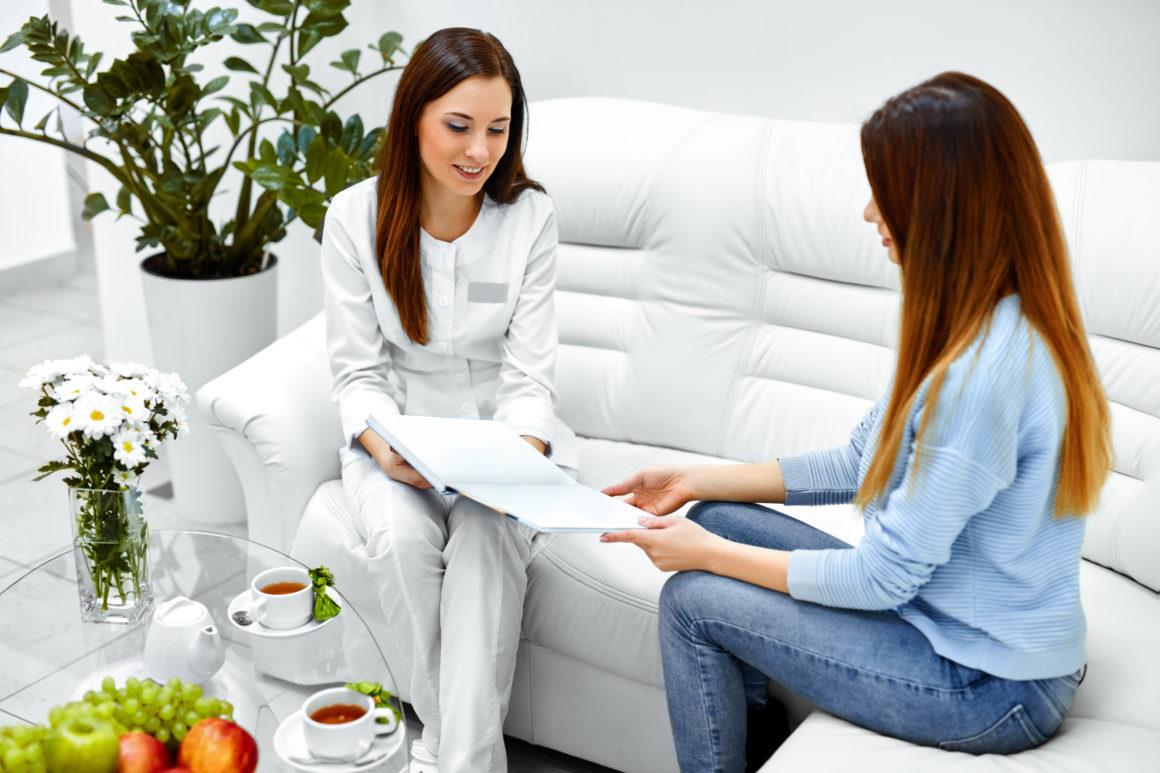 Mobilna pielęgniarka z dojazdem do domu lub biura! W Noble Medicine komfort naszych pacjentów jest dla nas najważniejszy!