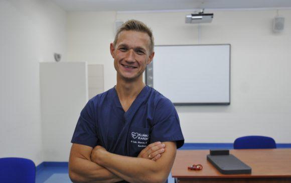 "Profesor Grabowski laureatem konkursu ""Złoty Skalpel 2020"""
